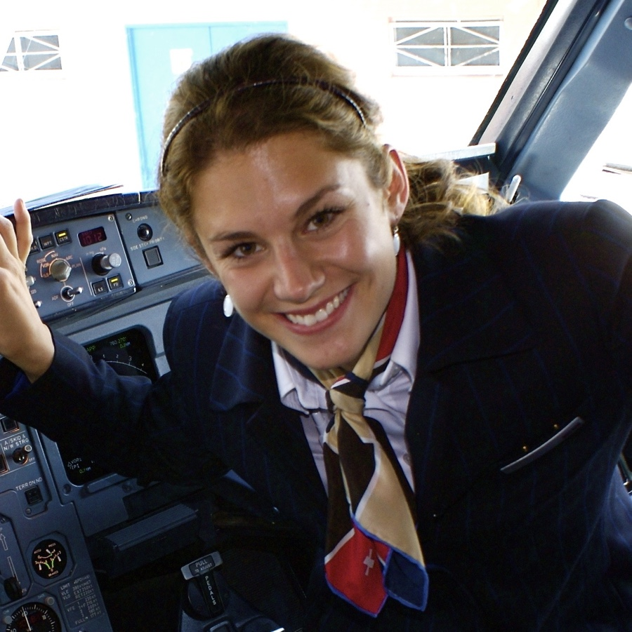 Flight Attendant + Senior Crew Disponentin bei Swiss International Air Lines 2008 - 2011